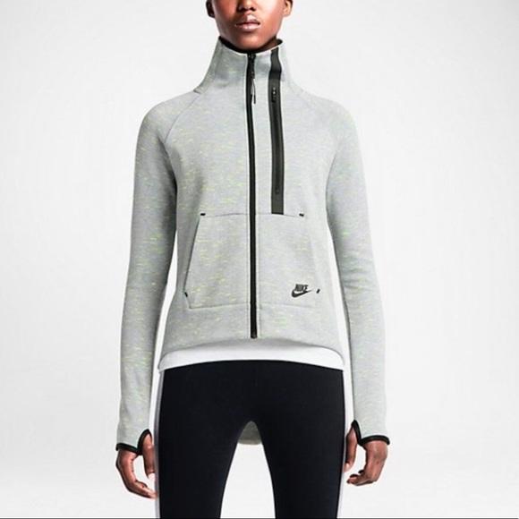 NWOT Nike Tech Fleece Moto Cape